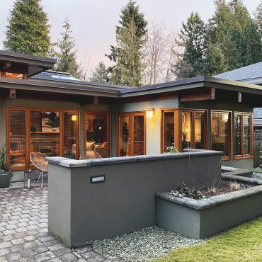 """Capilano Highlands """"Neoteric"""" House, 1951/ 1999"""