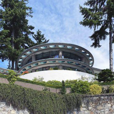 Bosa House, 1993
